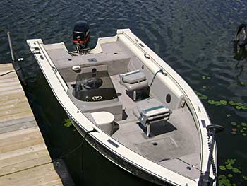 Boat and pontoon rentals for minnesota walleye fishing for Fishing boat rental mn
